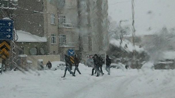 45 köyün yolu ulaşıma kapandı