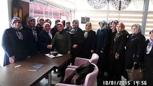 Ak Parti Kadın Kolları Gazetecileri Unutmadı