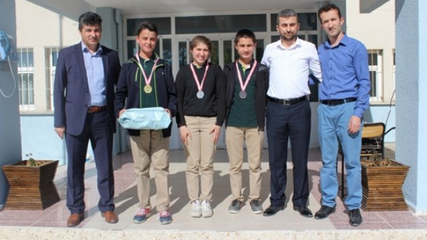 Tosya Fen Lisesi Satranç Turnuvası Renkli Görüntülerle Sona Erdi