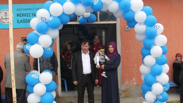 Karaçam Ailesinin Mutlu Günü