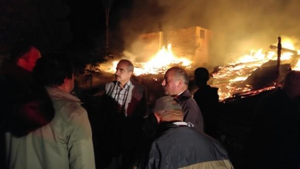Başkan Şahin Yangın Yerinde İncelemelerde Bulundu