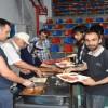 Tosya'da yakalan göçmenler Spor salonunda tutuluyor