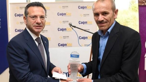 Ali Acar Ödülünü Vali Hüseyin Aksoy'dan Aldı