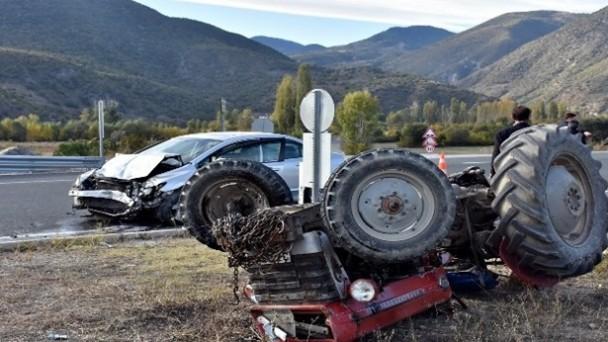 Tosya'da trafik kazası: 2 yaralı
