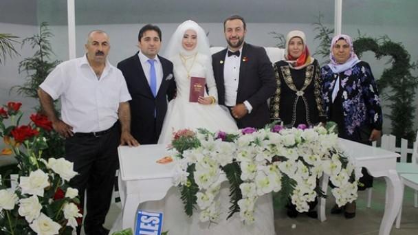 Seda ve Harun Çiftine Görkemli Düğün