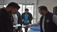 Emniyet Müdürlüğü ekipleri öğrencilere broşür dağıttı