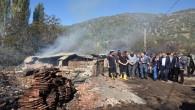 Vali, 9 evin yandığı köyde incelemelerde bulundu