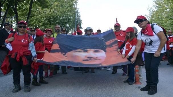 """Kastamonu'da 105 kilometrelik """"Atatürk ve İstiklal Yolu Yürüyüşü"""" sona erdi"""