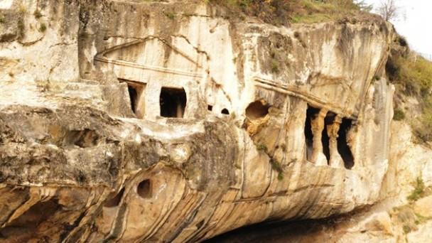Paflagonya Dönemi'ne ait 'Kaya Mezarları' turizme kazandırılacak
