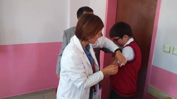 Daday'da öğrencilere aşı yapıldı