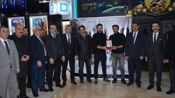 'Kurtlar ve Çakallar' isimli filmin ilk gösterimi Kastamonu'da gerçekleşti