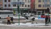 Belediye Ekipleri Kar Temizliğine Başladı