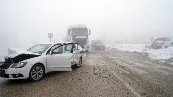 Kastamonu'da 7 araç birbirine girdi: 9 kişi yaralandı