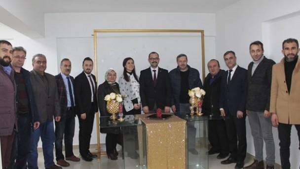 MHP Teşkilatı ve Belediye Başkan Adayı Gazetecilerle Biraraya Geldi