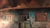 7 kişinin yaşadığı ahşap ev, yangında kül oldu