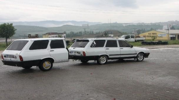 Tosya'da 1991 model el yapımı aracı görenler, dönüp bir daha bakıyor