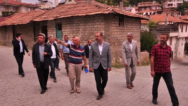Başkan Kavaklıgil planlarını mahalle sakinleriyle istişare etti