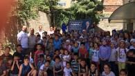 Muhtardan 300 Çocuğa Dondurma İkramı