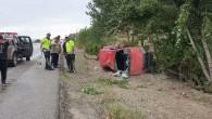 Islak zeminde kontrolden çıkan otomobil takla attı: 4 yaralı