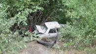 Kastamonu Yolunda otomobil bahçeye uçtu