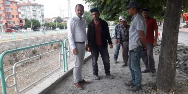 Tosya Belediyesi yaya yollarını yeniliyor