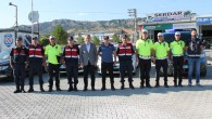 Tosya Kaymakamı D-100 Karayolunda sürücülere lokum ikram etti