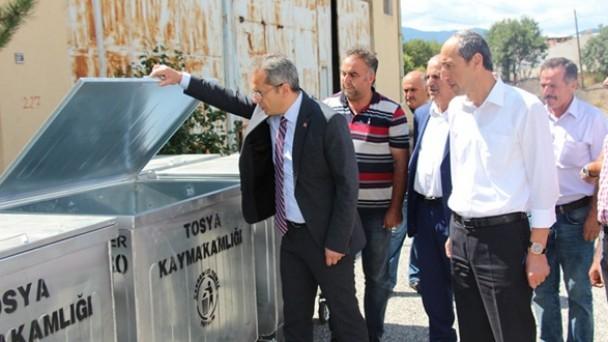Tosya Kaymakamlığından köylere çöp konteynırı