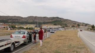 Tosya'da kayganlaşan yolda kaza ucuz atlatıldı