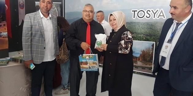 Sancaktepe Belediye Başkanından Tosya Standına Ziyaret