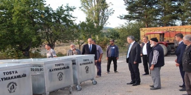 Suluca ve Çifter köylerine çöp konteynırı teslim edildi
