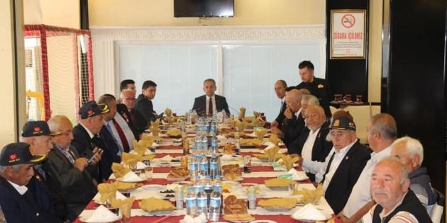 Tosya Kaymakamından Gaziler Onuruna kahvaltı