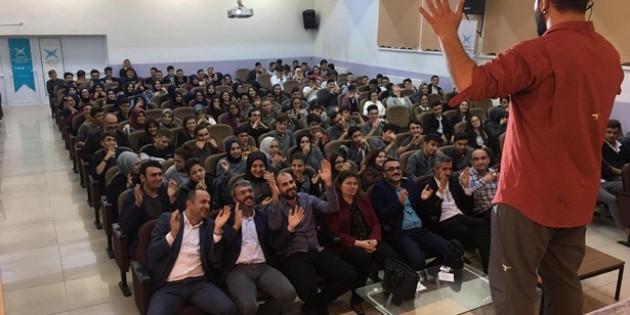 TÜGVA'dan Öğrencilere Motivasyon Semineri