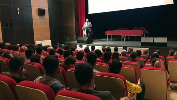 Tosya MYO'da Bilimin Tarihi Gelişimi konferansı düzenlendi