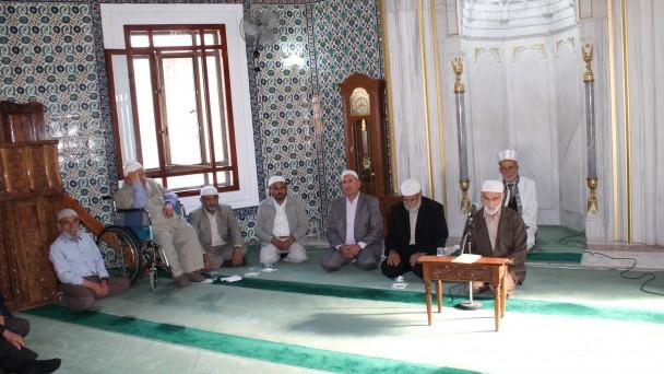 Tosya'da emekli din görevlilerinden Kuran ve mevlit ziyafeti