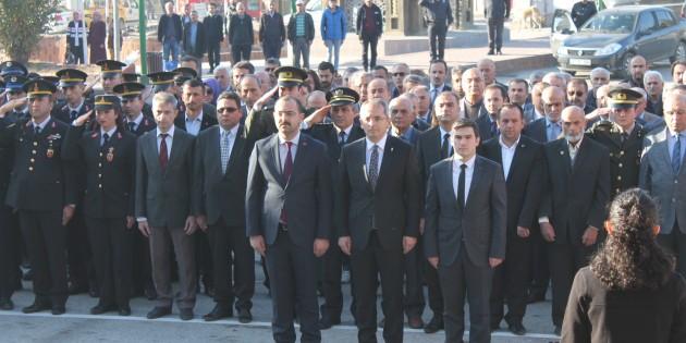 Gazi Mustafa Kemal Atatürk vefatının 81'nci yıl dönümünde saygıyla anıldı