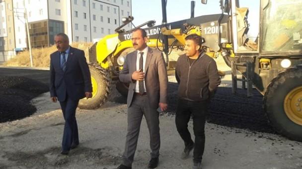 Tosya Belediyesi sıcak asfalt çalışmalarına devam ediyor