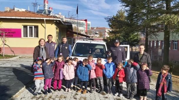 Tosya'da Anasınıfı öğrencilerine meslekler tanıtıldı