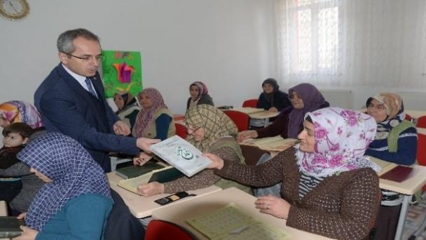 Kaymakam Deniz Pişkin, Kız Kur'an Kursu öğrencilerini ziyaret etti