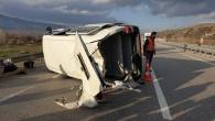 Cenazeye Giden Minibüs Tosya'da Takla Attı, 2 Yaralı