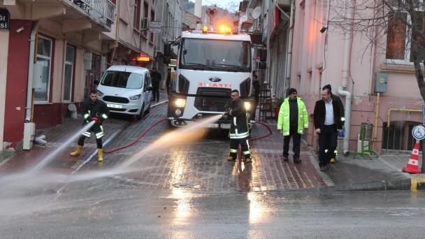 Tosya'da cadde ve sokaklar dezenfekte ediliyor