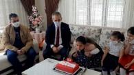 23 Nisan'da doğan çocuğa Kaymakamdan pastalı sürpriz