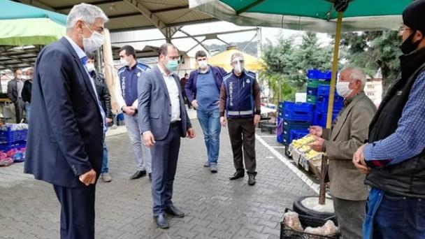 Başkan Kavaklıgil, Sebze Pazarında İncelemelerde Bulundu