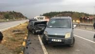 Kamyonet ile otomobil çarpıştı: 2 yaralı