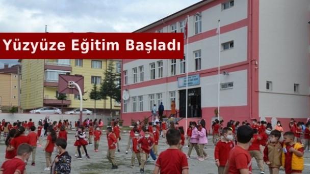 Tosya'da 6500 öğrenci yüz yüze eğitime başladı