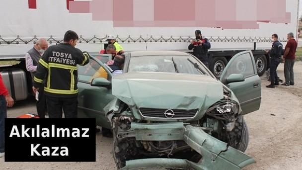 Tosya'da Akılalmaz Kaza, 2 Yaralı